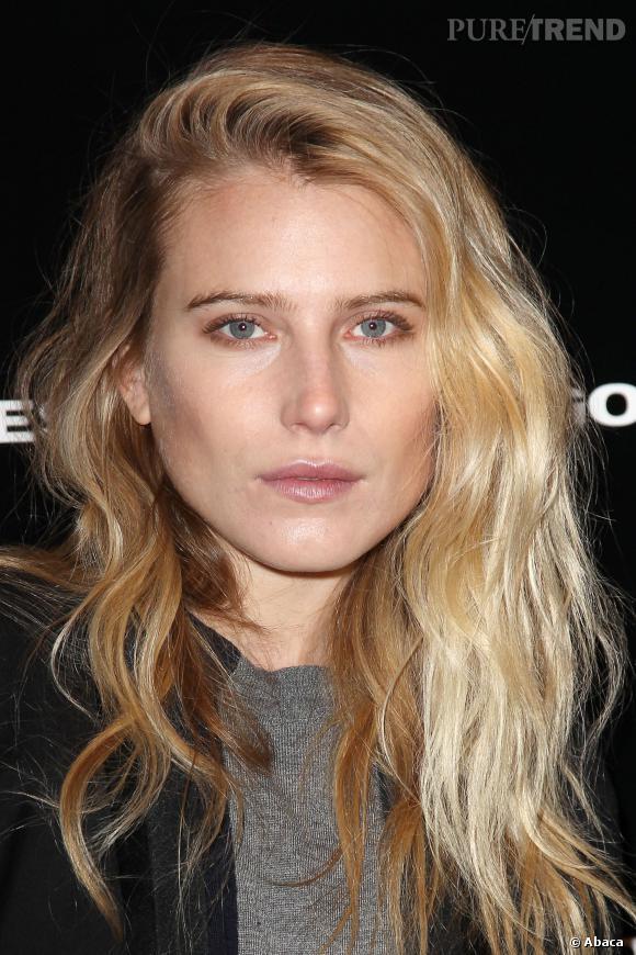 Dree Hemingway, beauté au naturel au défilé Diesel Black Gold à la Fashion Week de New York.