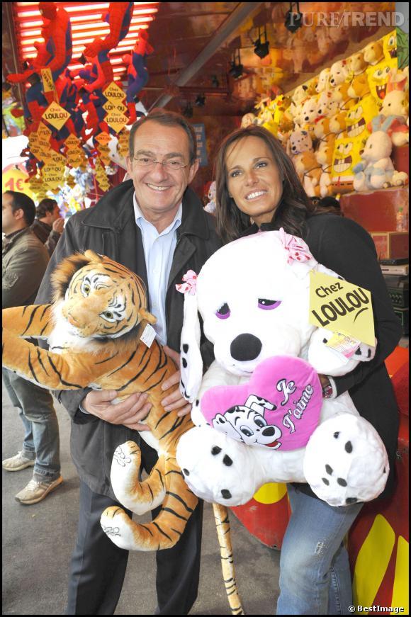 Nathalie Marquay et Jean-Pierre Pernaut inaugurent leur rue à la Foire du Trone à Paris en avril 2010.