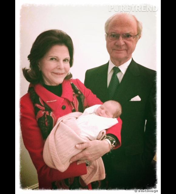 Son Altesse Royale la princesse Leonore de Suède, duchesse de Gotland et ses grand-parents la Reine Silvia et le roi Charles XVI Gustave de Suède.