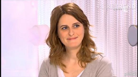 """Anne Décis alias Luna dans """"Plus Belle La Vie"""" : invitée sur le plateau de """"Les Maternelles"""" sur France 5, le 27 février 2014, annonce qu'elle est enceinte de son deuxième enfant."""