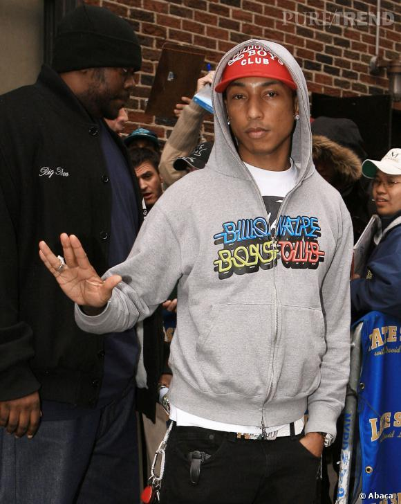 Pharrell williams s 39 essaye au combo ca ca casquette capuche - Casquette pharrell williams ...