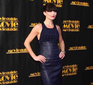 "Delphine Chanéac sort le cuir pour les ""Movie Guide Awards"" à Los Angeles en 2013."