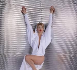 Delphine Chanéac se prend pour Kylie Minogue.