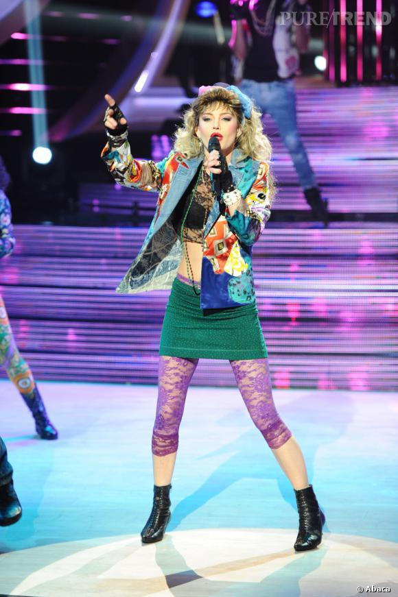 """Delphine Chanéac ose également la tenue """"Madonna"""" pour """"Un Air de Star""""."""