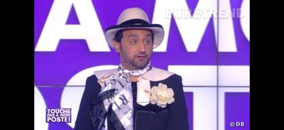 """Lundi 10 mars 2014, Cyril Hanouna a respecté son pari et est venu déguisé en Geneviève de Fontenay sur le plateau de """"Touche Pas à Mon Poste""""."""