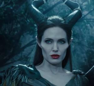 """""""J'ai eu des ailes autrefois... Elles étaient fortes mais elles m'ont été volées."""" dixit Maléfique dans le dernier film de Disney avec Angelina Jolie."""