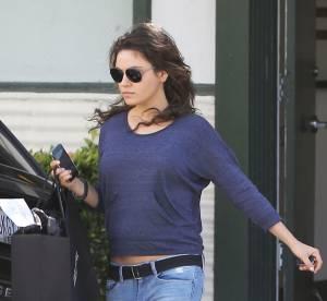 Mila Kunis, ventre à l'air après l'annonce de sa grossesse