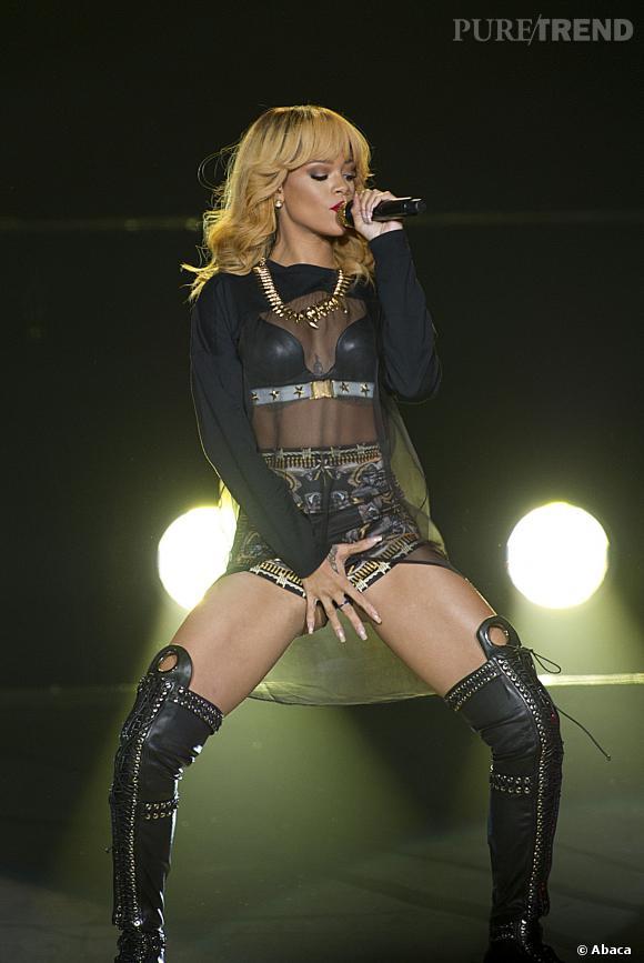 Rihanna en concert à Birmingham en Angleterre en juin 2013.