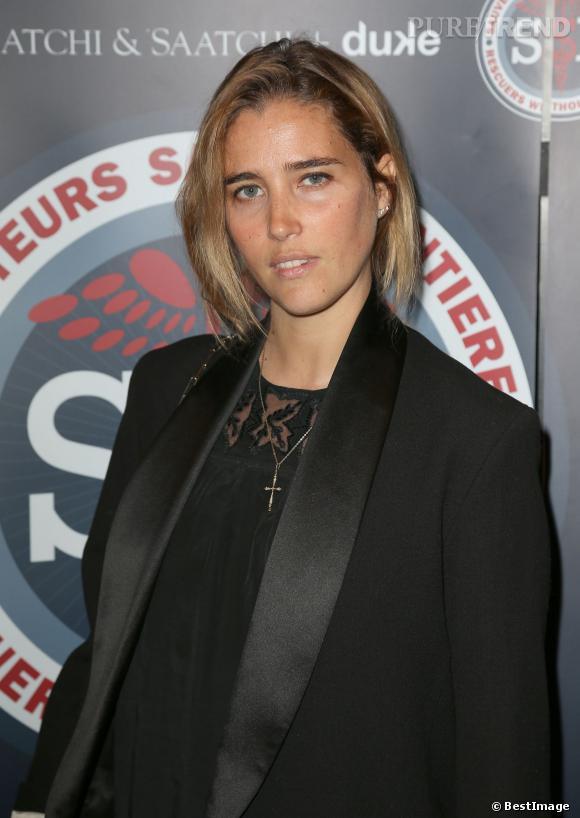 Vahina Giocante arbore un faux carré lors de la soirée de gala Sauveteurs sans frontières à Paris le 31 mars 2014.