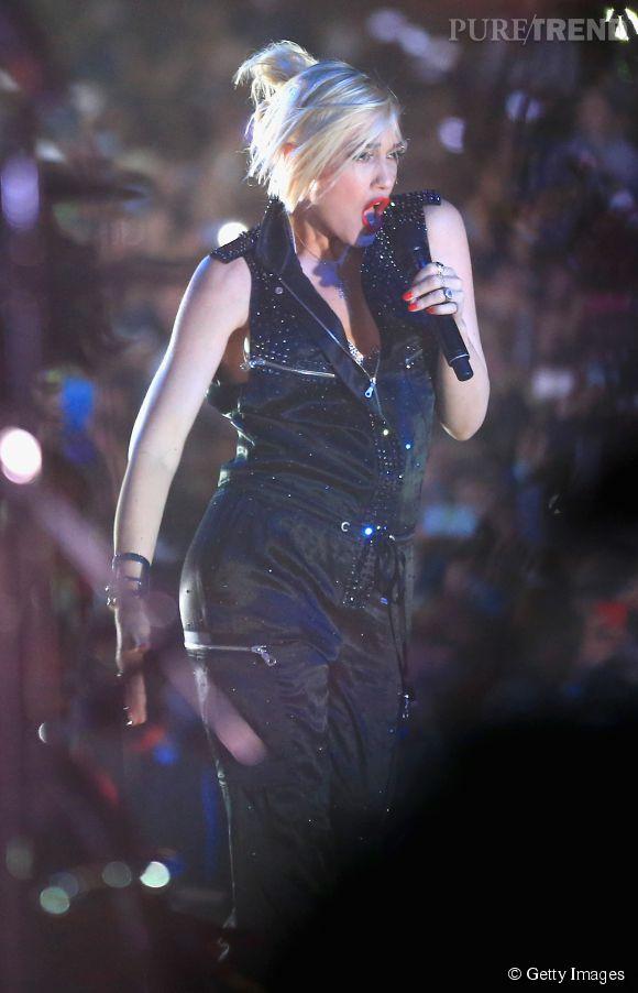 Gwen Stefani met le feu à Coachella le 12 avril 2014 quelques mois seulement après son accouchement.