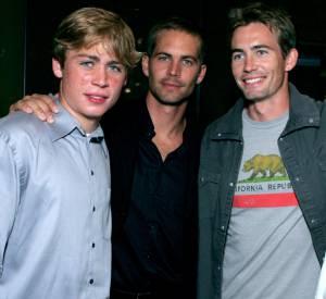 Paul Walker et ses deux petits frères Caleb à droite et Cody à gauche, en 2005.