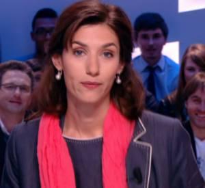 Doria Tillier aka Ségolène Royal dans la météo du Grand Journal du Canal+ du 25 mars 2014.