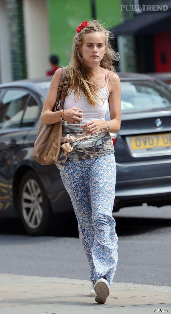 Cressida Bonas dans les rues de Londres en août 2013.