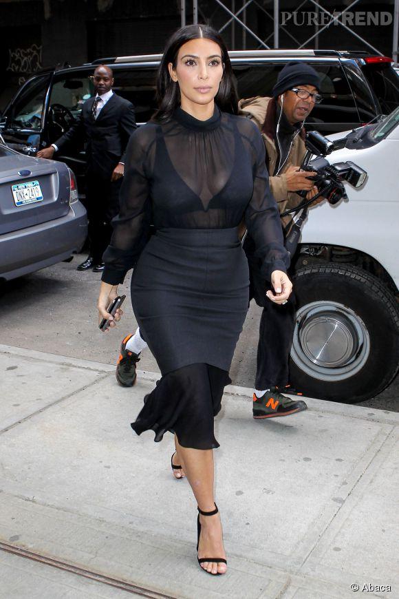 Kim Kardashian ultra étriquée dans les rues de New York au lendemain du MET Ball 2014.