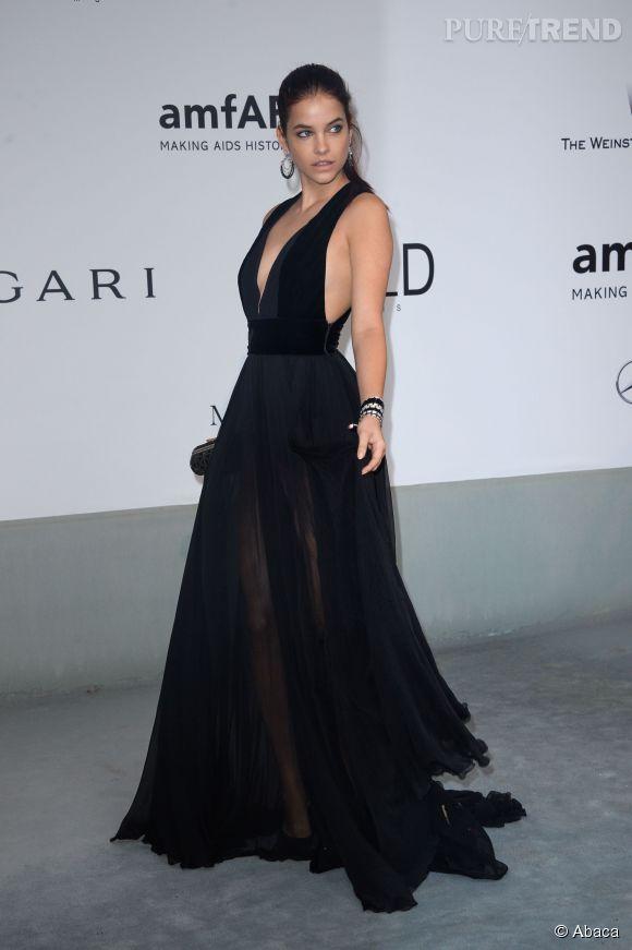 Barbara Palvin était parée par Chanel joaillerie au gala de l'amfAR à l'Hôtel du Cap.