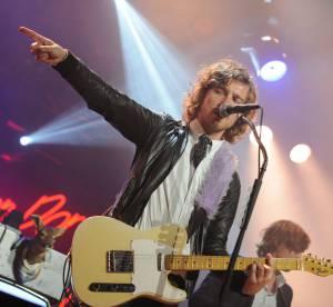 Julien Doré tombe la chemise pour dévergonder le Prix de Diane 2014