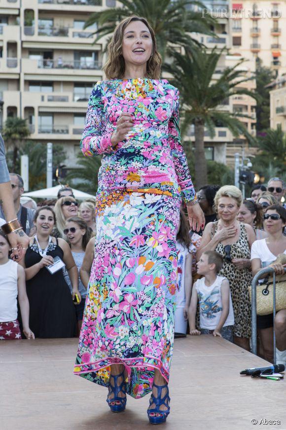 Sandrine Quétier, le robe longue bohème et colorée au Festival de Monte-Carlo, le 8 juin 2014.