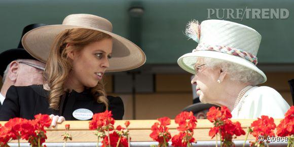 Beatrice d'York et la Reine Elizabeth II à Ascot en 2011.