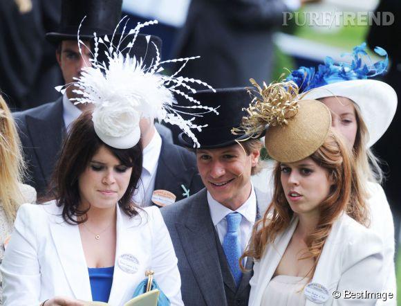 Eugenie d'York et Beatrice d'York à Ascot en 2010.