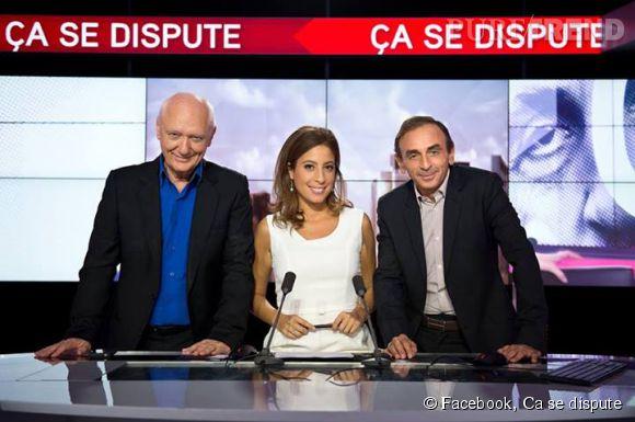 """Léa Salamé entourée de Nicolas Domenach et d'Eric Zemmour dans """"Ca se dispute"""" sur iTélé. Elle a demandé conseil à ses deux collègues pour prendre sa décision quant à son arrivée à ONPC."""