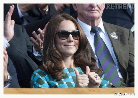 Kate Middleton est apparue avec les cheveux sensiblement raccourcis à la finale de Wimbledon le 6 juillet 2014.