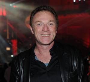 Christophe Hondelatte attaque Dave, ''une vieille gloire''
