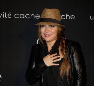 Hélène Ségara a annoncé sur sa page Facebook qu'elle était de nouveau en studio.