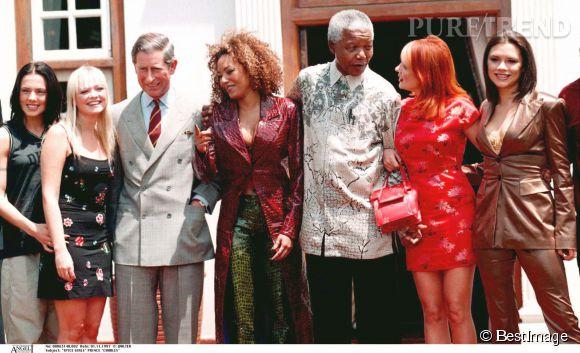 Les Spice Girls avec le prince Charles et Nelson Mandela, en novembre 1997.