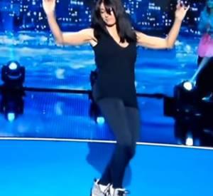 """Jenifer dans """"Vendredi tout est permis"""", reine de la pise de danse."""