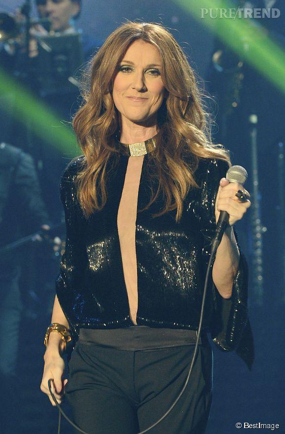 Céline Dion est contrainte d'annuler d'autres concerts à cause d'une inflammation des muscles de la gorge.