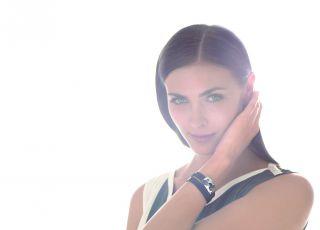June : le premier bijou qui protège notre peau du soleil