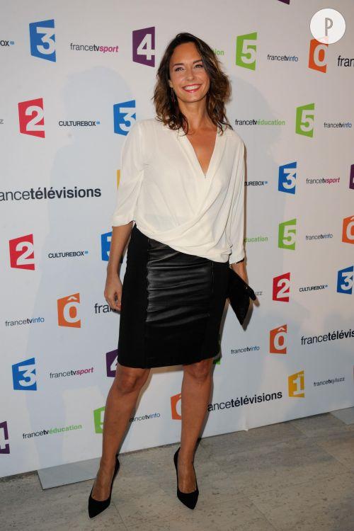 Julia Vignali fait forte impression au Palais de Tokyo pour la conférence de rentrée de France Télévisions.
