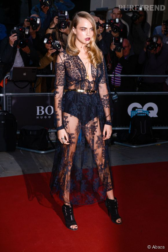 Cara Delevingne en Burberry Prorsum aux GQ Men of The Year Awards à Londres le 2 septembre 2014. Vive la transparence.