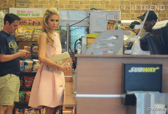 Paris Hilton dans un restaurant Subway de New York le 8 septembre 2014.