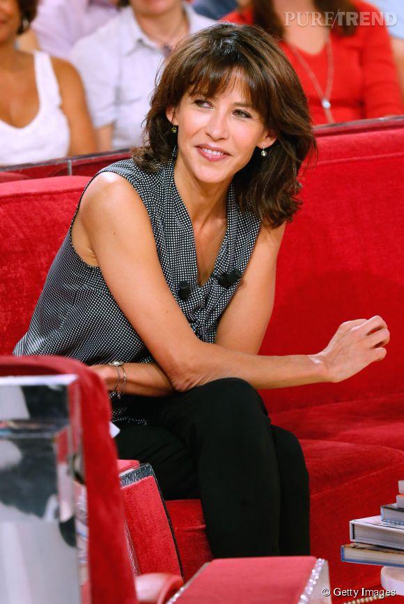 """Sophie Marceau sur le plateau de """"Vivement Dimanche"""" pour l'enregistrement de l'émission qui sera diffusé le 21 septembre 2014."""