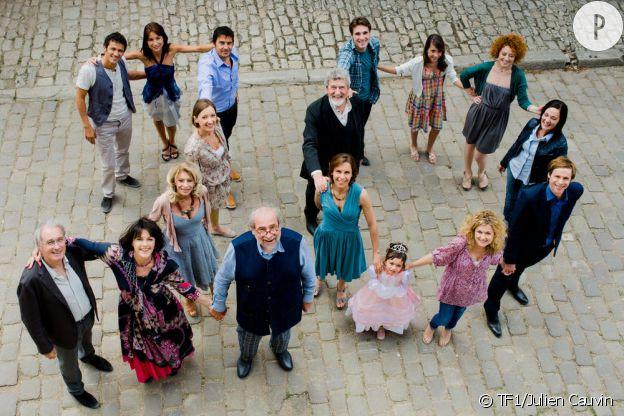 """Le casting complet d'""""Une famille formidable""""."""