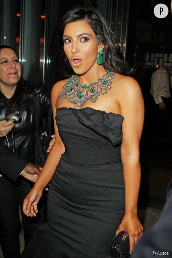 Kim Kardashian victime d'une main baladeuse !