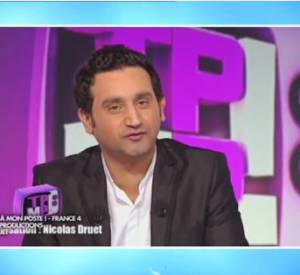 """Cyril Hanouna diffuse des images de la première émission de """"Touche pas à mon poste"""" et c'est l'instant nostalgie sur le plateau de D8."""