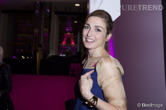 Julie Gayet lors de la soirée de lancement de la campagne de sensibilisation Octobre Rose à Paris le 7 octobre 2014.