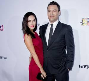 Robe rouge incendiaire pour Megan Fox et costume fitté pour Brian Austin Green à Los Angeles : la perfection !