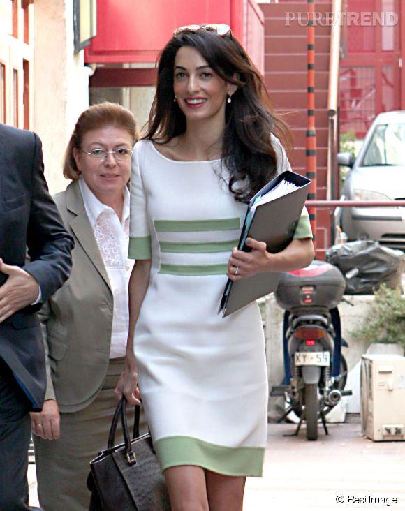 Amal Clooney, une gravure mode à Londres.