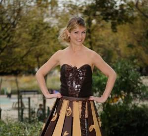 Louise Ekland participe au célèbre défilé du Salon du Chocolat 2014 habillée d'une robe créée par le chocolatier Vincent Guerlais.