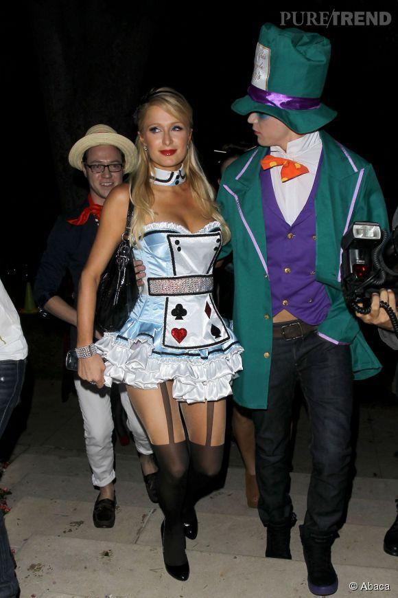Paris Hilton dans la peau d'Alice au Pays des merveilles mais surtout dans un déguisement taille six ans en 2012.