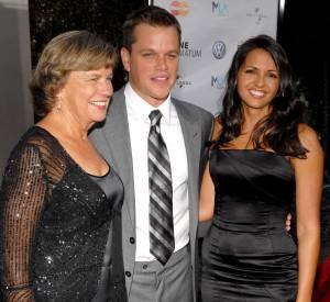 Matt Damon entouré de sa maman et de sa femme.