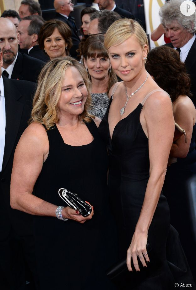 Charlize Theron et sa mère Gerda.