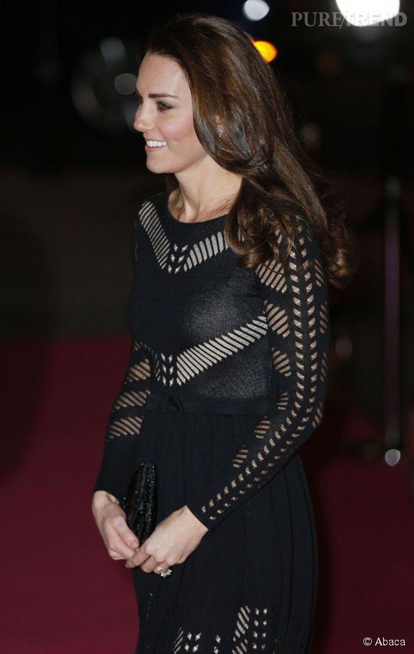Kate Middleton a beau être rayonnante, elle aurait en fait été forcée à reprendre le travail par la reine !