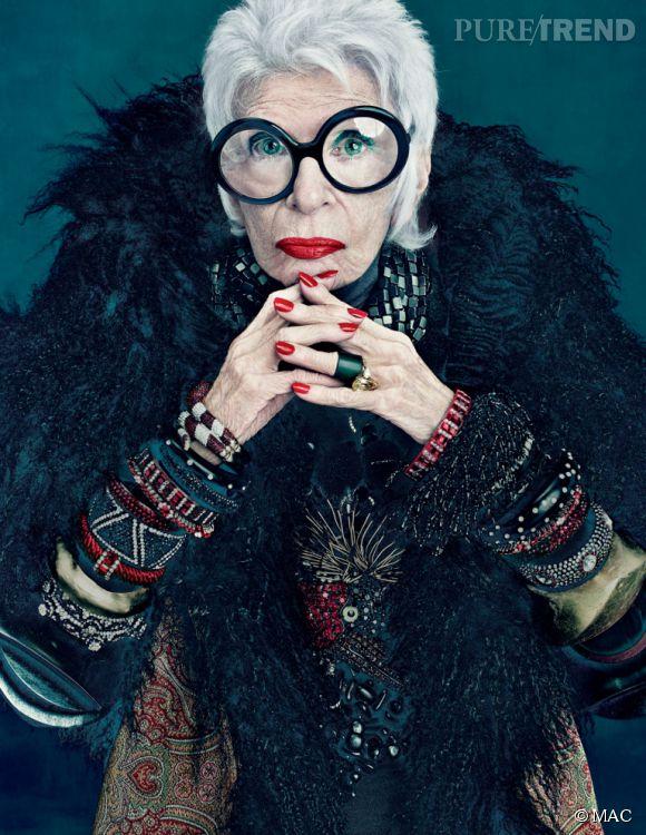 En 2011 déjà, MAC choisissait l'excentrique Iris Apfel (90 ans à l'époque) pour incarner sa ligne de maquillage.
