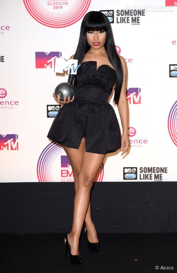 Nicki Minaj très court vêtue aux MTV Europe Music Awards 2014 à Glasgow le 9 novembre 2014. Maîtresse de cérémonie, elle a aussi reçu le prix de la meilleure artiste hip-hop.