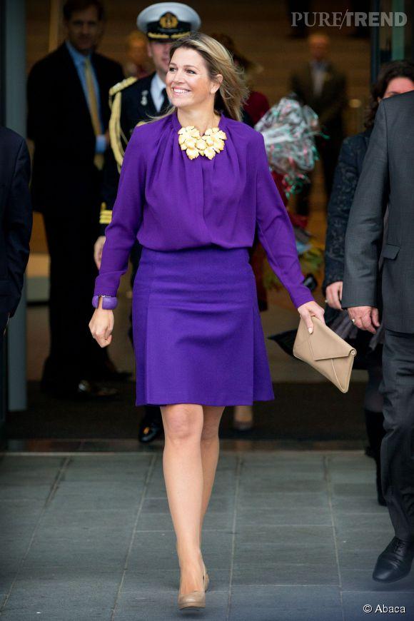 La reine Maxima et son look très flashy, hier à Utrecht.