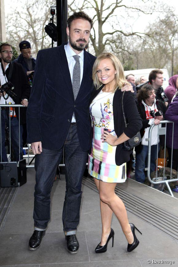 """Emma Bunton pose ici avec Jamie Theakston, son collègue sur  Heart FM . Ensemble, ils animent le """"Breakfast show""""."""